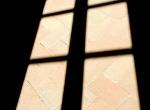 foto-scenografica-con-ombra-finestra