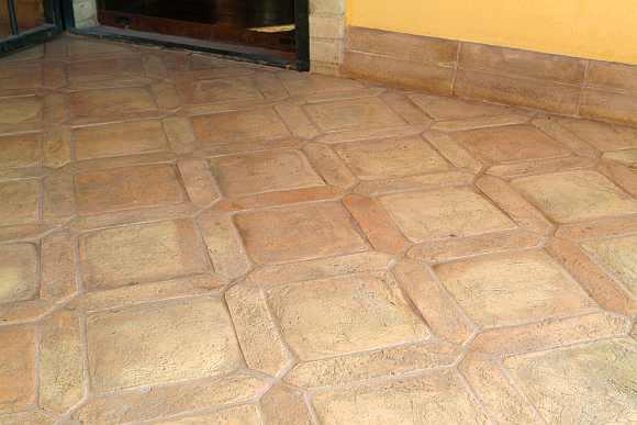 Cotto chiaro mattoni e pavimenti chiari fatti a mano