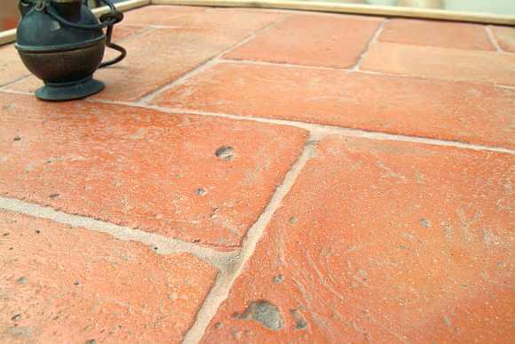 foto pavimento in cotto di forma rettangolare