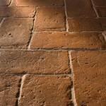 Foto di un pavimento Antico Restauro con pianella rettangolare